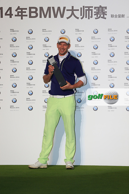 Marcel Siem (GER) wins the tournament after a playoff hole at the end of Sunday's Final Round of the 2014 BMW Masters held at Lake Malaren, Shanghai, China. 2nd November 2014.<br /> Picture: Eoin Clarke www.golffile.ie