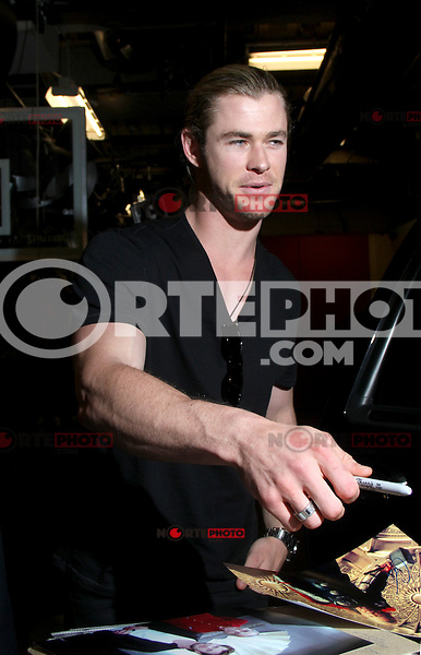 May 31, 2012 Chris Hemsworth at Live with Kelly! to talk about his new movie Snow White and the Huntsman in New York City. © RW/MediaPunch Inc.