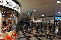 Einkaufszentrum RailCity unter dem Bahnhof, Zürich, Schweiz