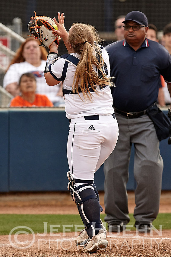 SAN ANTONIO, TX - MARCH 28, 2019: The University of Texas at San Antonio Roadrunners drop Game One 6-0 but rebound to take Game Two 4-1 over the Brigham Young University Cougars at Roadrunner Field. (Photo by Jeff Huehn)