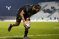 Matt Banahan of Bath Rugby scores a try in the first half. European Rugby Champions Cup match, between Benetton Rugby and Bath Rugby on January 20, 2018 at the Municipal Stadium of Monigo in Treviso, Italy. Photo by: Patrick Khachfe / Onside Images
