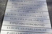 Belgium, Province Brabant, Brussels: Multi-lingual sign of the European Parliament   Belgien, Provinz Brabant, Bruessel: Europaeisches Parlament in den Sprachen der Mitgliedslaender