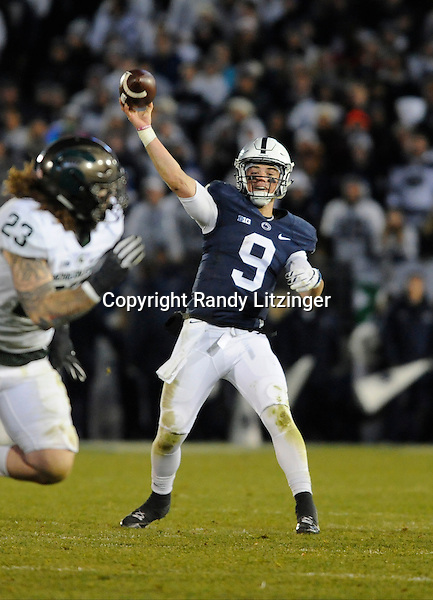 STATE COLLEGE, PA - NOVEMBER 26:  Penn State QB Trace McSorley (9) releases a pass downfield. The Penn State Nittany Lions defeated the Michigan State Spartans 45-12 to win the Big Ten East Division on November 26, 2016 at Beaver Stadium in State College, PA. (Photo by Randy Litzinger/Icon Sportswire)