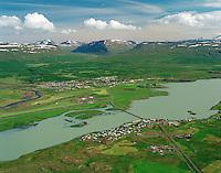 Fellabær og Egilsstaðir - Austur-Herað loftmynd til suðausturs / Fellabaer and Egilsstadir - Austur-Heradaerial view to southeast.