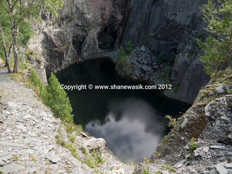 Looking down into the flooded Hodge Close Quarry