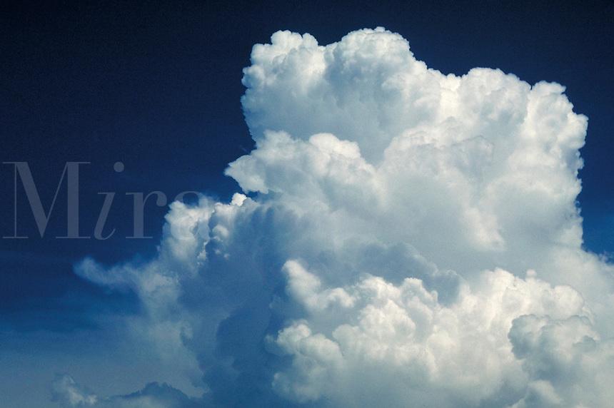 Soft, airy, light, puffy, calm, serenity, thunderhead. Connotations - Religious, power.