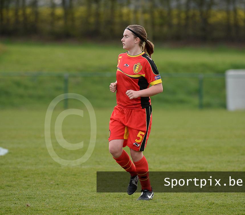 Women U15 : Belgian Red Flames - Nederland :<br /> <br /> Davinia Vanmechelen<br /> <br /> foto Dirk Vuylsteke / Nikonpro.be