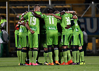 BOGOTA - COLOMBIA -25 - 11 - 2017: Los jugadores de La Equidad, durante partido de ida entre La Equidad y Millonarios, de los cuartos de final la Liga Aguila II - 2017, jugado en el estadio Metropolitano de Techo de la ciudad de Bogota. / The players of La Equidad, during a match for the first leg between La Equidad and Millonarios, for to the quarter of finals for the Liga Aguila II - 2017 at the Metropolitano de Techo Stadium in Bogota city, Photo: VizzorImage / Luis Ramirez / Staff.