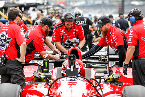 12-14 May, 2016, Indianapolis, Indiana, USA<br /> Graham Rahal crew working on car<br /> ©2016, Sam Cobb<br /> LAT Photo USA