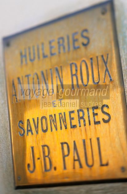 Europe/France/Provence-ALpes-Côte d'Azur/13/Bouches-du-Rhône/MArseille: Panneau des huileries Antonin Roux et savonneries J.B. Paul