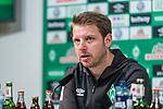 13.04.2019, Weserstadion, Bremen, GER, 1.FBL, Werder Bremen vs SC Freiburg<br /> <br /> DFL REGULATIONS PROHIBIT ANY USE OF PHOTOGRAPHS AS IMAGE SEQUENCES AND/OR QUASI-VIDEO.<br /> <br /> im Bild / picture shows<br /> Florian Kohfeldt (Trainer SV Werder Bremen) bei PK / Pressekonferenz nach Spielende, <br /> <br /> Foto © nordphoto / Ewert