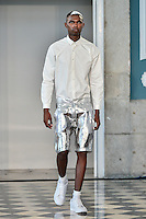 LISBOA, PORTUGAL, 15 DE MARÇO 2015 - LISBOA FASHION WEEK -  Modelo durante desfile da grife Awaytomars  durante Lisboa Fashion Week na cidade de Lisboa em Portugal nesse domingo, 15. FOTO: Bruno de Carvalho / Brazil Photo Press).