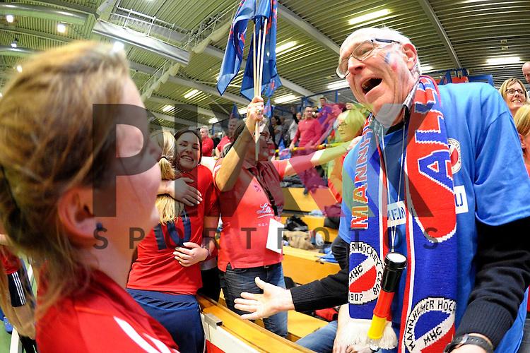 GER - Luebeck, Germany, February 06: After the 1. Bundesliga Damen indoor hockey semi final match at the Final 4 between Berliner HC (blue) and Duesseldorfer HC (red) on February 6, 2016 at Hansehalle Luebeck in Luebeck, Germany. Final score 1-3 (HT 0-1). <br /> <br /> Foto &copy; PIX-Sportfotos *** Foto ist honorarpflichtig! *** Auf Anfrage in hoeherer Qualitaet/Aufloesung. Belegexemplar erbeten. Veroeffentlichung ausschliesslich fuer journalistisch-publizistische Zwecke. For editorial use only.