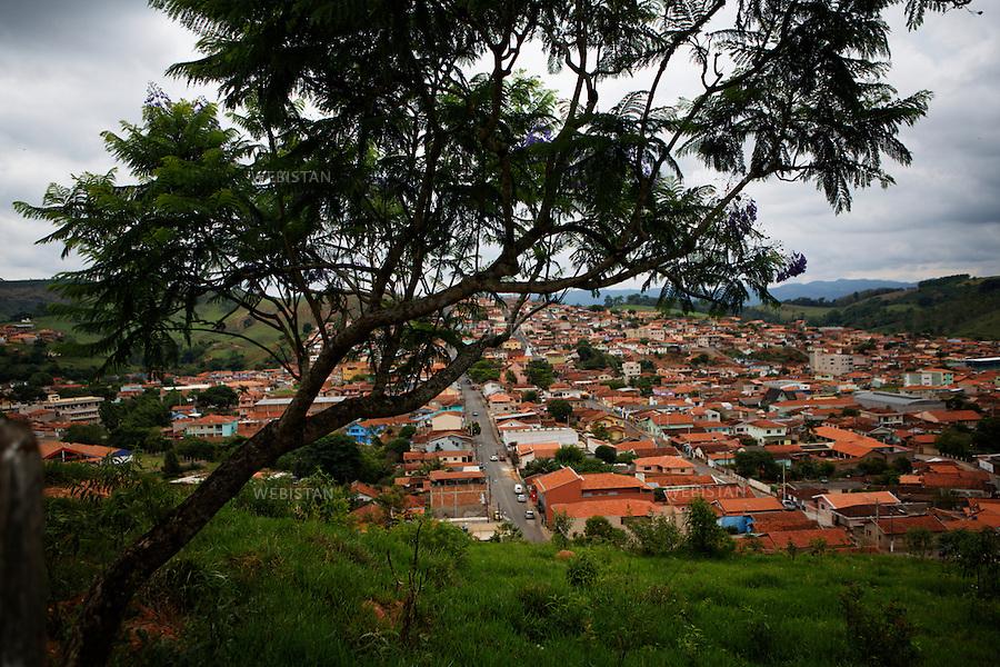 Bresil, etat Minas Gerais, ville de Bandeira do Sul, 2 novembre 2012.<br /> <br /> Vue sur la ville.<br /> <br /> Brazil, Minas Gerais, Town of Bandeira do Sul, November 2, 2012 <br /> <br /> A view of the city.