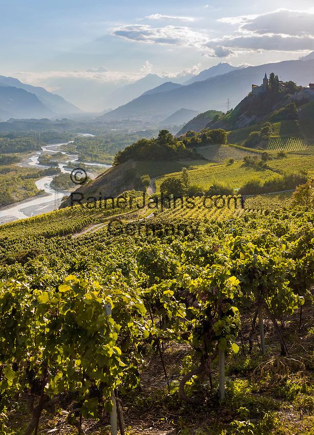 Switzerland, Canton Valais, wine village Varen near Leuk: winegrowing at Rhone-Valley | Schweiz, Kanton Wallis, Weindorf Varen bei Leuk: Weinanbau im Rhonetal
