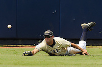 17 May 2008: Florida International left fielder John Petika (19) dives for a fly ball in the top of the fifth inning of the game against Florida Atlantic at University Park Stadium in Miami, Florida.