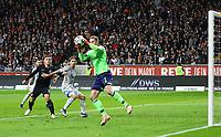 Torwart Ralf Fährmann (FC Schalke 04) haelt - 11.11.2018: Eintracht Frankfurt vs. FC Schalke 04, Commerzbank Arena, DISCLAIMER: DFL regulations prohibit any use of photographs as image sequences and/or quasi-video.