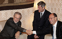 "Il regista statunitense Steven Spielberg, a sinistra, stringe la mano al Presidente del Senato  Renato Schifani, durante il loro incontro in occasione dell'uscita del film ""Lincoln"", a Roma, 17 gennaio 2013..U.S. director Steven Spielberg, left, shakes hands with Italian Senate President Renato Schifani, during their meeting in occasion of the release of the movie ""Lincoln"", in Rome, 17 January 2013..UPDATE IMAGES PRESS/Riccardo De Luca"