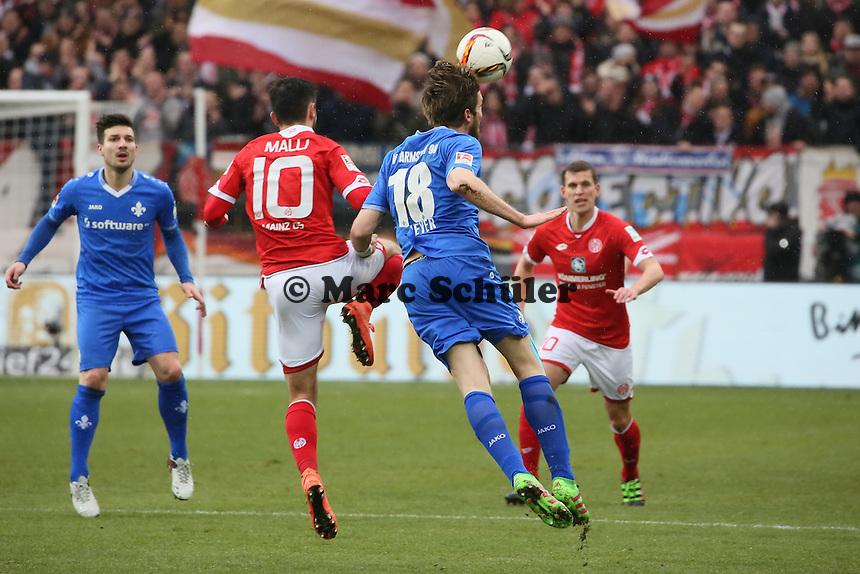 Peter Niemeyer (Darmstadt) gegen Yunus Malli (Mainz) - 1. FSV Mainz 05 vs. SV Darmstadt 98, Coface Arena