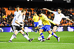 Valencia CF's Shkodran Mustafi and Daniel Parejo  and UD Las Palmas' Araujo during spanish King's Cup match. January 21, 2016. (ALTERPHOTOS/Javier Comos)