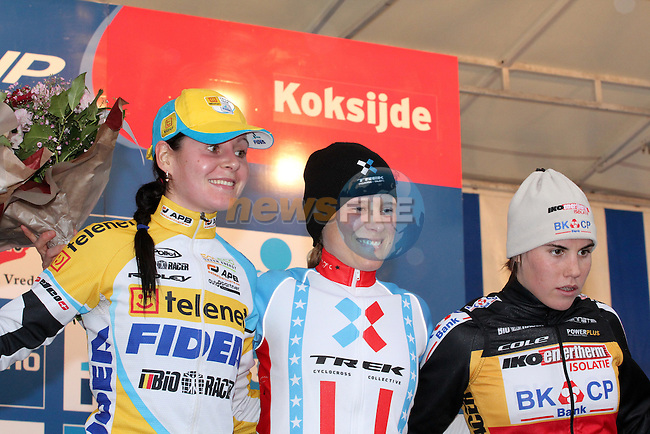 the podium with Katie Compton, Nikki Harris and Sanne Cant
