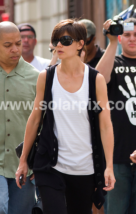 **ALL ROUND PICTURES FROM SOLARPIX.COM**.**SYNDICATION RIGHTS FOR UK, SPAIN, PORTUGAL, AUSTRALIA, S.AFRICA & DUBAI (U.A.E) ONLY**.Katie Holmes Arriving at Broadway Play Rehearsals in Manhattan, New York City, NY, USA. on August 24, 2008..JOB REF: 7119 PHZ-Mayer    DATE: 24_08_2008.**MUST CREDIT SOLARPIX.COM OR DOUBLE FEE WILL BE CHARGED* *UNDER NO CIRCUMSTANCES IS THIS IMAGE TO BE REPRODUCED FOR ANY ONLINE EDITION WITHOUT PRIOR PERMISSION*