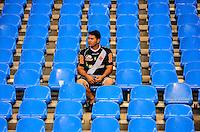 RIO DE JANEIRO, RJ, 25 AGOSTO 2012-CAMPEONATO BRASILEIRO-VASCOXFLUMINENSE-Torcedores do Vasco, durante a partida VascoxFluminense valido pela 19 rodada do Campeonato Brasileiro no Estadio Joao Havelange, Engenhao, neste sabado,25 de agosto, na zona norte do Rio de Janeiro.(FOTOMARCELO FONSECA BRAZIL PHOTO PRESS).