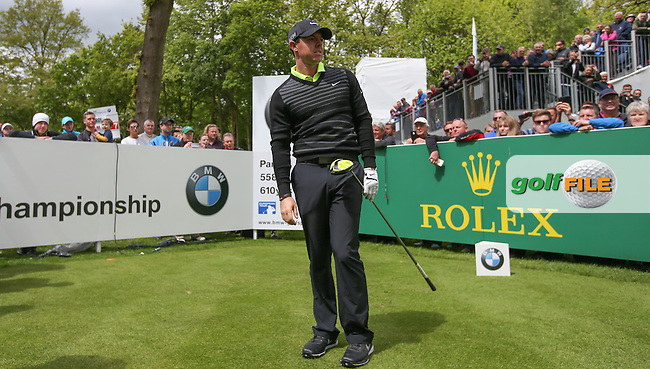 Watched by many .. Rory MCILROY (NIR) drives the 17th during the Pro-Am ahead of the 2015 BMW PGA Championship over the West Course at Wentworth, Virginia Water, London. Picture David lloyd, www.golffile.ie: 20/05/2015