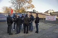Roma 24 Febbraio 2012.Assemblea pubblica..I lavoratori della Rsi Italia SpA (Rail Service Italia, ex Wagons Lits), in Cassa Integrazione straordinaria da 6 mesi hanno occupato la fabbrica di via Umberto Partini a Roma. Sono 59 operai (33 metalmeccanici, 26 dei trasporti), addetti alla manutenzione dei Treni Notte..Workers at the Rsi Italy SpA (Italy Rail Service, former Wagons Lits), extraordinary layoff from 6 months have occupied the factory in via Umberto Partini in Rome. We are 59 workers (33 metalworkers, 26 transport), Night Train maintenance workers. Rome, Italy 24th of February 2012