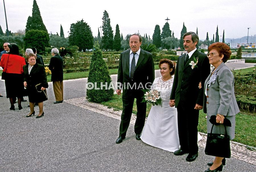 Cena de casamento em Lisboa. 1999. Foto de Juca Martins.