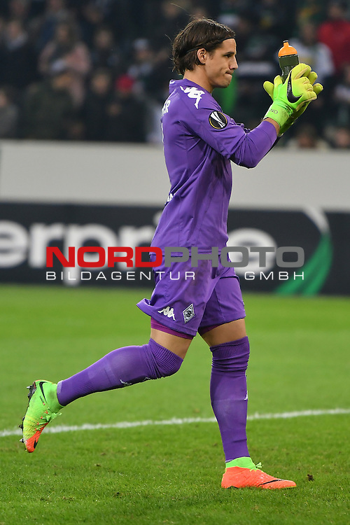 16.02.2017, Borussia Park , Moenchengladbach , EL, Sechzehntelfinale, Hinspiel GER, Borussia M&ouml;nchengladbach (GER) vs. AC Florenz ( ITA)<br /> im Bild:<br /> Yann Sommer Torwart (Gladbach #1),<br /> <br /> <br /> <br /> Foto &copy; nordphoto / Meuter