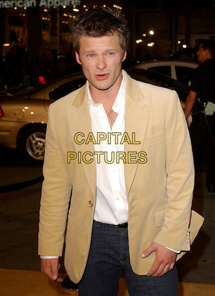 "STEVE ZAHN.Attend Paramount Pictures' Los Angeles Premiere of ""Sahara"" held at The Grauman's Chinese Theatre in Hollywood, Los Angeles, California, USA,.April 4th 2005..half length.Ref: DVS.www.capitalpictures.com.sales@capitalpictures.com.©Debbie VanStory/Capital Pictures"
