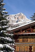 CH, Switzerland, Canton Uri, Inn Posthaus Urigen and Schaechentaler Windgaellen Mountains