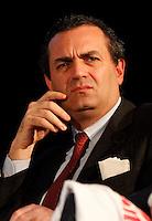 """NAPOLI IL MINISTRO ANNAMARIA CANCELLIERI PARTECIPA ALLA GIORNATA DELLA MEMORIA E DELL'IMPEGNO CONTRO LE MAFIE .NELLA FOTO LUIGI DE MAGISTRIS.FOTO CIRO DE LUCA Luigi de Magistris condannato nel processo """" why not"""""""