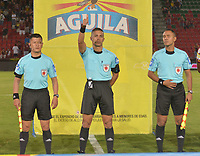 IBAGUÉ- COLOMBIA, 13-02-2018:Diego Escalante Referee central  durante el partido entre el Deportes Tolima  y Alianza Petrolera  por la fecha 3 de la Liga Águila II 2018 jugado en el estadio Manuel Murillo Toro . / Central Referee Diego Escalante during match between Deportes Tolima  and Alianza Petrolera  for the date 3 of the Aguila League I 2018 played at Manuel Murillo Toro stadium. Photo: VizzorImage/ Juan Carlos Escobar / Contribuidor