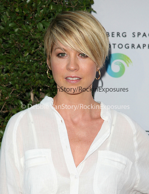 Jenna Elfman at The opening of BEAUTY CULTURE, a photographic exploration of how feminine beauty is defined, challenged and revered in modern society held at Annenberg Space for Photography in Century City, California on May 19,2011                                                                               © 2011 Hollywood Press Agency