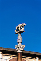 Statue mit Woelfin am Domplatz, Siena, Toskana, Italien, Unesco-Weltkulturerbe