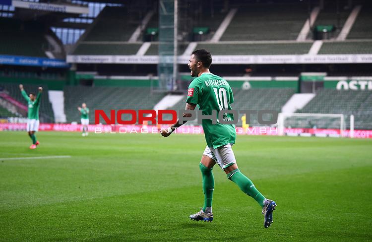 Jubel 1:1: Leonardo Bittencourt (Bremen) jubelt vor leeren Raengen.<br /><br />Sport: Fussball: 1. Bundesliga: Saison 19/20: 26. Spieltag: SV Werder Bremen - Bayer 04 Leverkusen, 18.05.2020<br /><br />Foto: Marvin Ibo GŸngšr/GES /Pool / via gumzmedia / nordphoto