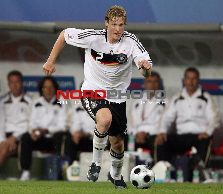 UEFA Euro 2008 Group B Klagenfurt - W&ouml;rthersee Match 04 Deutschland ( GER ) - Polen ( POL ) 2:0 (1:0). <br /> Marcell Jansen ( Germany / Verteidiger / Defender / Bayern Muenchen #02 ) am Ball. Foto &copy; nph (  nordphoto  )