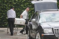 SAO PAULO, SP, 27 DE FEVEREIRO 2012 -Santo Andre - O corpo de Mitchail Gabriel Perreira de nove anos que e liberado do IML de Santo Andre e segue para o velorio na Vila Formosa.O Menino morreu depois de ser atropelado por um jet ski em uma represa dentro do Clube Náutico Tahiti, na rodovia Índio-Tibiriçá, km 42,5, em Ribeirão Pires.Na tarde de ontem (FOTO: ADRIANO LIMA / BRAZIL PHOTO PRESS).