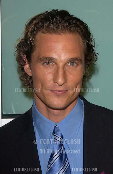 Actor MATTHEW McCONAUGHEY at the world premiere, in Hollywood, of his new movie How To Lose A Guy In Ten Days..27JAN2003.   © Paul Smith/Featureflash