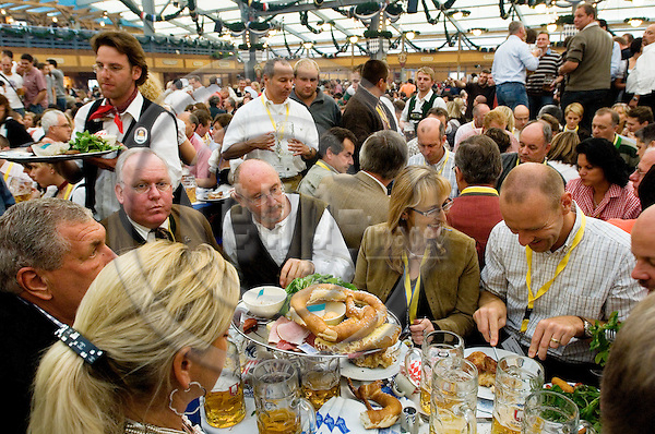 MUNICH - GERMANY 22 FEB 2008 -- People enjoying traditional bavarian food and beer at the world's biggest folkloristic beer party, the Oktoberfest in München. -- PHOTO: © GORM K. GAARE/ EUP-BERLIN..
