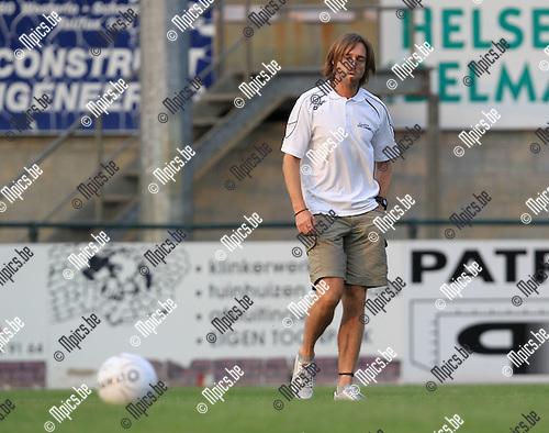 2010-08-11 / Voetbal / seizoen 2010-2011 / KFC Oosterzonen / Geert Van Dessel..Foto: mpics