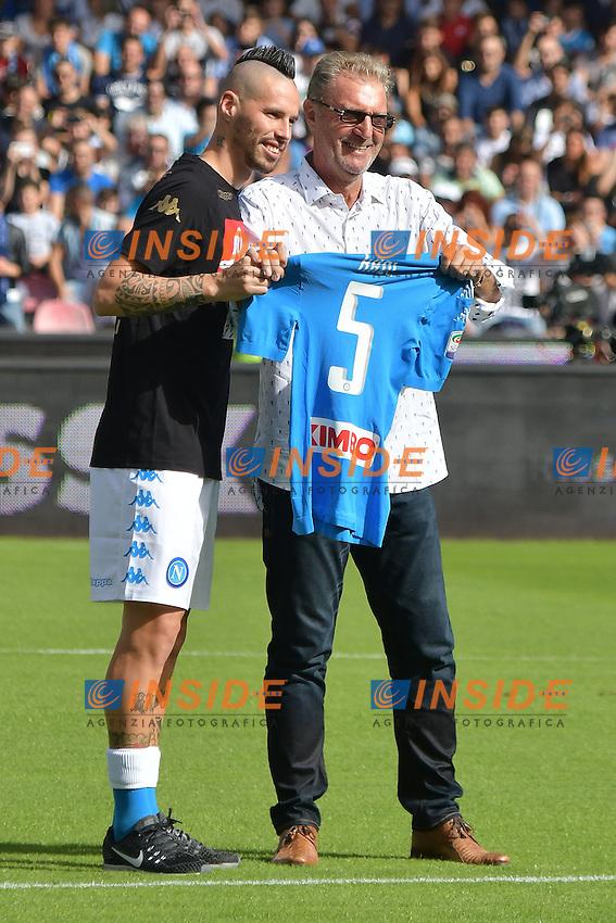 Marek Hamsik and Fromer Napoli player Ruud Krol <br /> Napoli 15-10-2016  Stadio San Paolo <br /> Campionato Serie A Napoli - AS Roma <br /> Foto Andrea Staccioli / Insidefoto