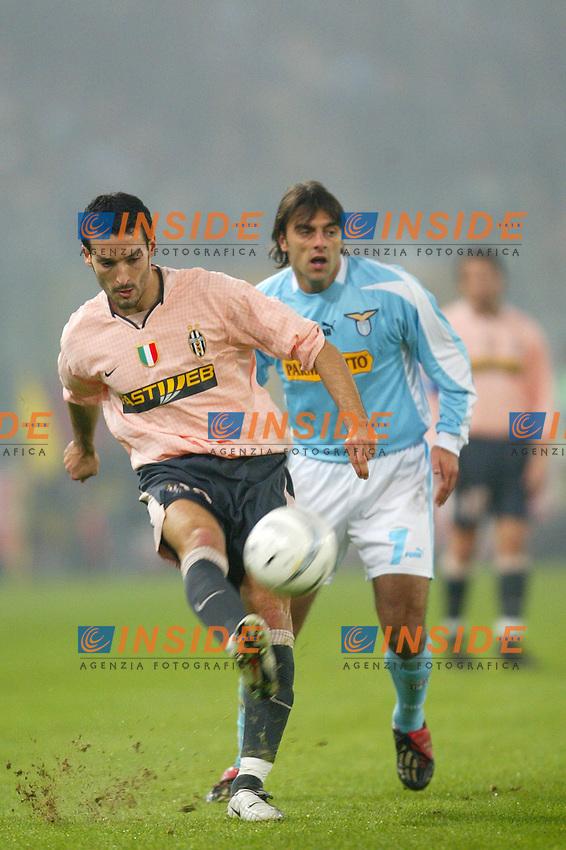 Roma 6 dicembre 2003 <br /> Lazio Juventus 2-0<br /> Gianluca Zambrotta (Juventus) and Claudio Lopez (Lazio)<br /> Foto Andrea Staccioli Insidefoto