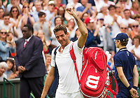 London, England, 01 July, 2016, Tennis, Wimbledon, Juan Martin Del Potro (ARG) thanking the crowd after defeating Stanislas Wawrinka (SUI)<br /> Photo: Henk Koster/tennisimages.com