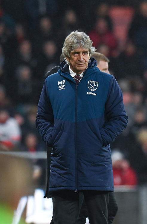 West Ham United manager Manuel Pellegrini  <br /> <br /> Photographer David Horton/CameraSport<br /> <br /> The Premier League - Bournemouth v West Ham United - Saturday 19 January 2019 - Vitality Stadium - Bournemouth<br /> <br /> World Copyright © 2019 CameraSport. All rights reserved. 43 Linden Ave. Countesthorpe. Leicester. England. LE8 5PG - Tel: +44 (0) 116 277 4147 - admin@camerasport.com - www.camerasport.com