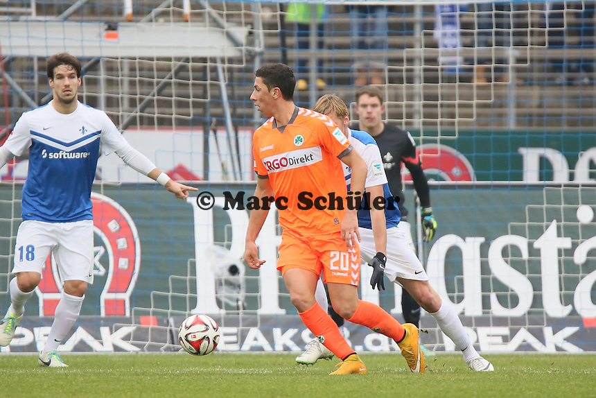 Robert Zulj (Fuerth) greift an - SV Darmstadt 98 vs. SpVgg. Greuther Fuerth, Stadion am Boellenfalltor
