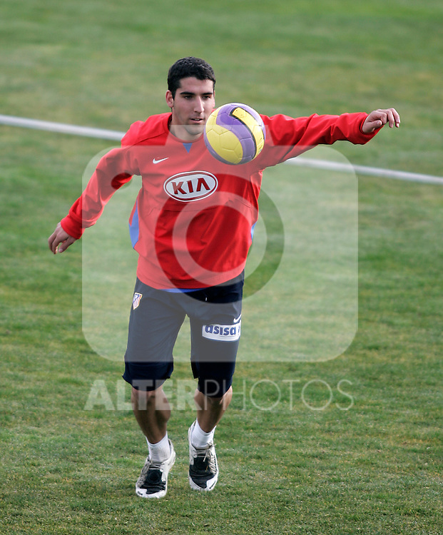 Atletico de Madrid's Raul Garcia during training sesion at Cerro del Espino Stadium in Majadahonda, January 08 2007. (ALTERPHOTOS/Acero).