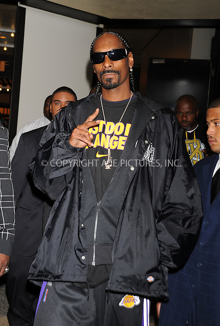 WWW.ACEPIXS.COM . . . . . ....October 28 2009, New York City....Rapper Snoop Doggy Dogg made an appearance at the Alexa Chung Show at the MTV Studios in Times Square on October 28 2009 in New York City....Please byline: AJ SOKALNER - ACEPIXS.COM.. . . . . . ..Ace Pictures, Inc:  ..tel: (212) 243 8787 or (646) 769 0430..e-mail: info@acepixs.com..web: http://www.acepixs.com